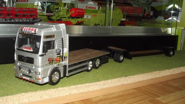 R�alisation d'un plateau surbaiss� pour le camion de livraison Man/Claas