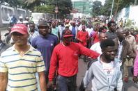 Aujourd'hui lundi 19 septembre le peuple congolais a d�cid� d'en finir avec le r�gime Kabila. Etikala Biso mpe na ba Diaspora to lakisa exemple.