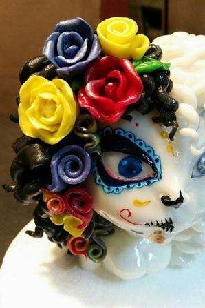 figurine en pate a sucre sur la th�me de la muert� mexicaine