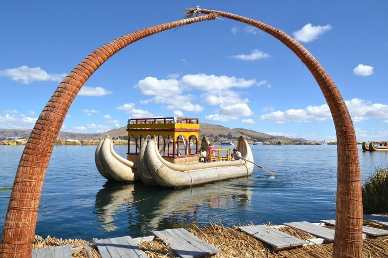 �les flottantes des Uros - lac titicaca