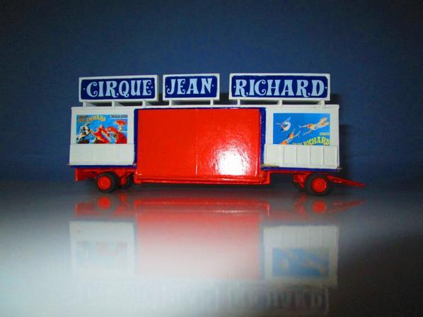 Entr�e du cirque Jean Richard !!!