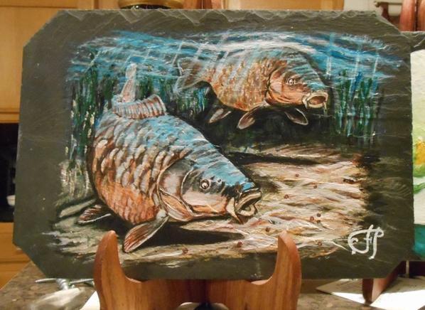 carpes peints sur ardoises
