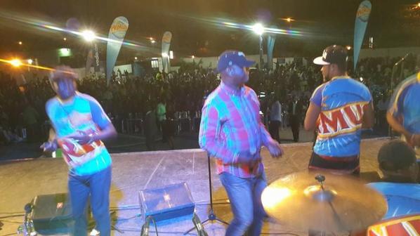 Jossart Nyoka Longo et Zaiko Langa Langa f�tent les vices champions d'Afrique (V.Club) au Parking du GHK A
