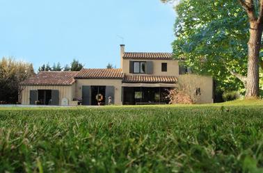 Façade de la maison / The house frontage