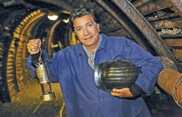 Fr�d�ric Fran�ois visite une mine