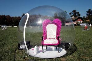 Dans leurs bulles.....