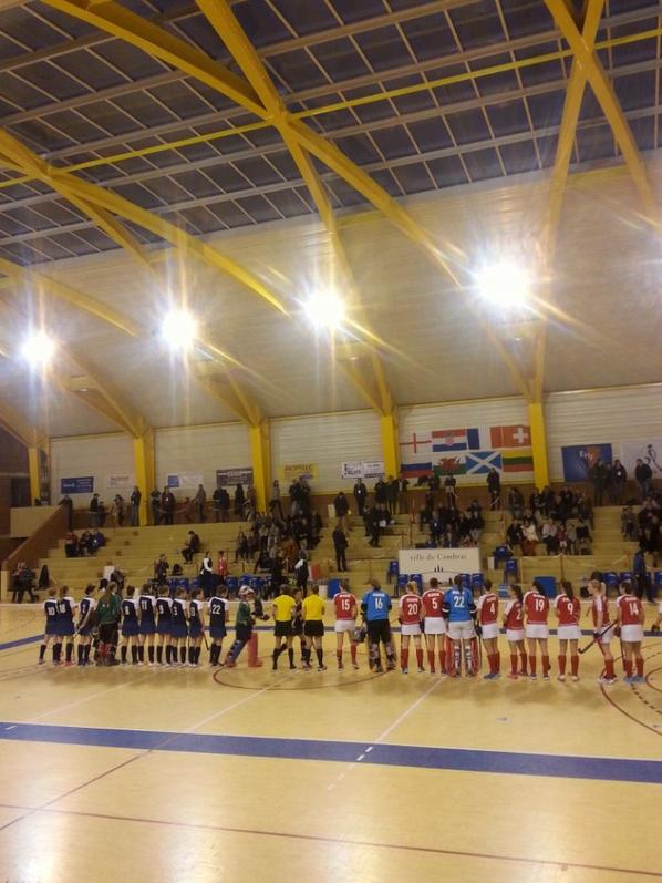 Championnat d Europe Indoor Hockey feminin...Suisse - France...la Suisse a gagn�. ..un beau match