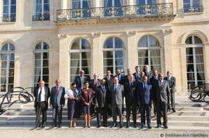 F. Hollande préconise des mesures plus contraignantes sur Mayotte