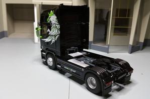 tracteur scania streamline topline r730 v8 king of the road de chez eligor au 1/43.