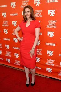 "• •  Le 3 Septembre, notre Emily a �t� vu � la "" FXX Network Launch Party And Premieres For ""It's Always Sunny In Philadelphia"" And ""The League"" .  • •"