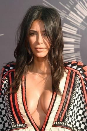 24.08 - Kim Kardashian @ MTV Video Music Awards