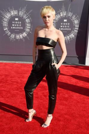 24.08 - Miley Cyrus @ MTV Video Music Awards