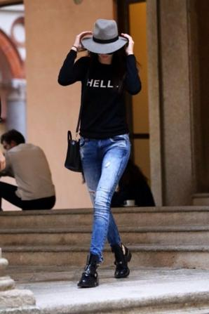 20.09 - Kendall Jenner prend une glace � New-York