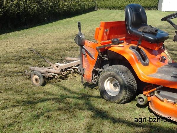 tracteur tondeuse kubota herse pour pelouse blog de agri bzh 56. Black Bedroom Furniture Sets. Home Design Ideas