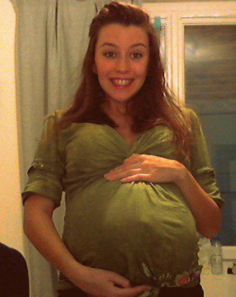 29 semaines de grossesse enceinte 20 ans. Black Bedroom Furniture Sets. Home Design Ideas
