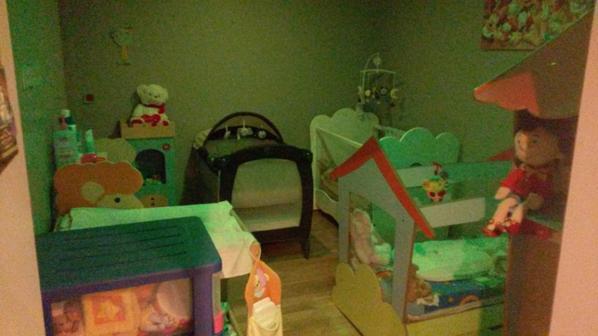 chambre avec lumi re tamis e veilleuse endormissement assistante maternelle. Black Bedroom Furniture Sets. Home Design Ideas