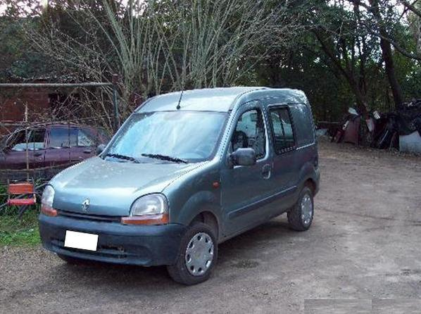 renault kangoo d65 mode 1999 diesel vendre une voiture. Black Bedroom Furniture Sets. Home Design Ideas