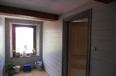 habillage de plafond en gyproc des murs en lambris et fabrication et pose fausses poutres. Black Bedroom Furniture Sets. Home Design Ideas
