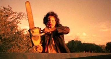 Le top 5 des choses qui montrent que tu es un VRAI FAN de film d'horreur et que tu ne vas pas rater Texas Chainsaw 3D au cinéma.