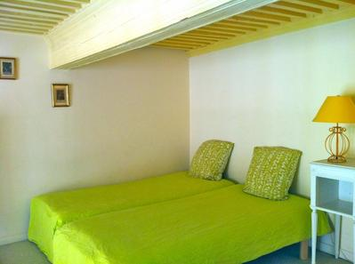 short term apartment Aix en Provence Accommodation in Aix en Provence France Furnished apartments in Aix en Provence booking +33 (0)6 68 09 54 56