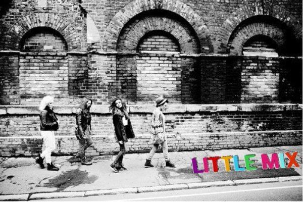 Eleanor Calder , Danielle Peazer , Cher Lloyd & Les Little Mix : Des Modèles....