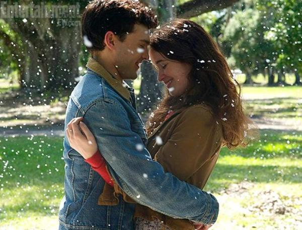 16 Lunes ( LE FILM ) : Première image d'Ethan & Lena