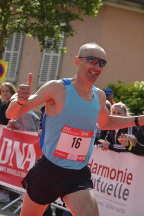 37e Courses de Strasbourg: � RESTER DANS LA COURSE �