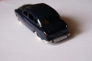 DINKY TOYS FORD VEDETTE 24X