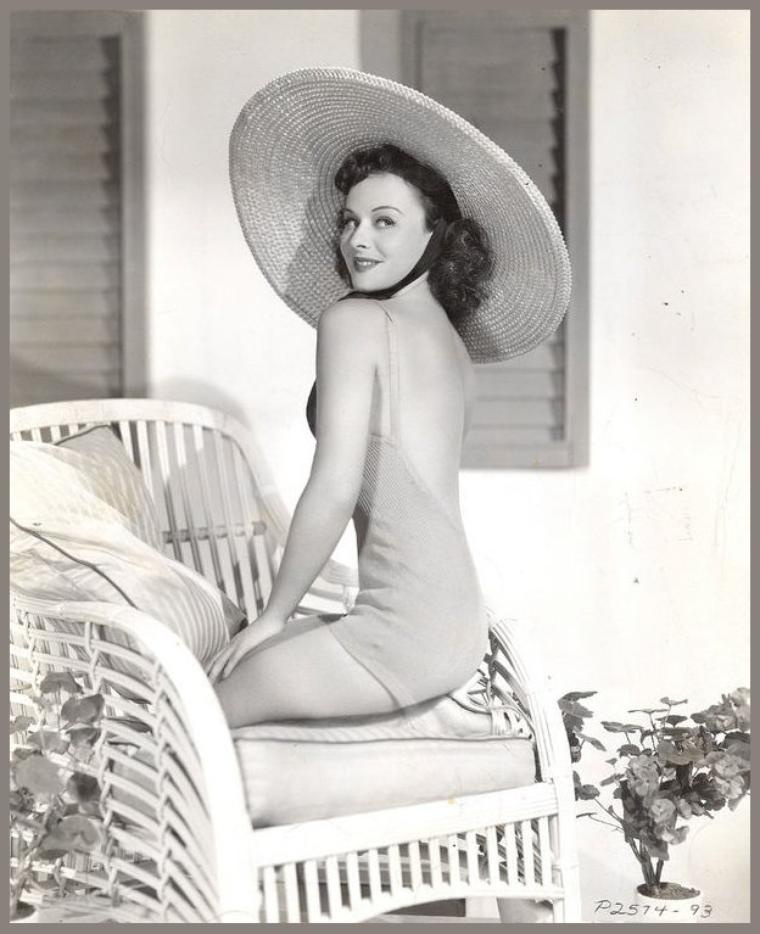 Paulette GODDARD '30-40 (3 Juin 1910 - 23 Avril 1990)