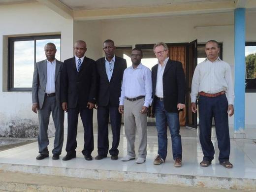 Anjouan : Bourses pour le Maroc aux bacheliers et rencontre du Gouverneur avec un consultant de FIFA