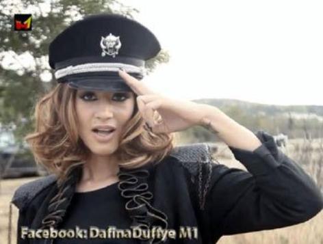 """Dafina publikon foto t� k�ng�s """"My Swag"""""""
