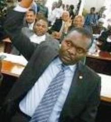 Haïti – Politique : Le Sénateur Wenceslas prêt à voter pour Lamothe