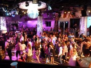 Disneyland 1 juin 2011 - ambiance soirée princesses et pirates