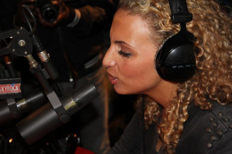 Kayna Samet dans Plan�te Rap