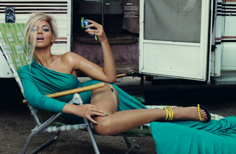 Beyoncé Knowles for Dazed & Confused ( July 2011 )