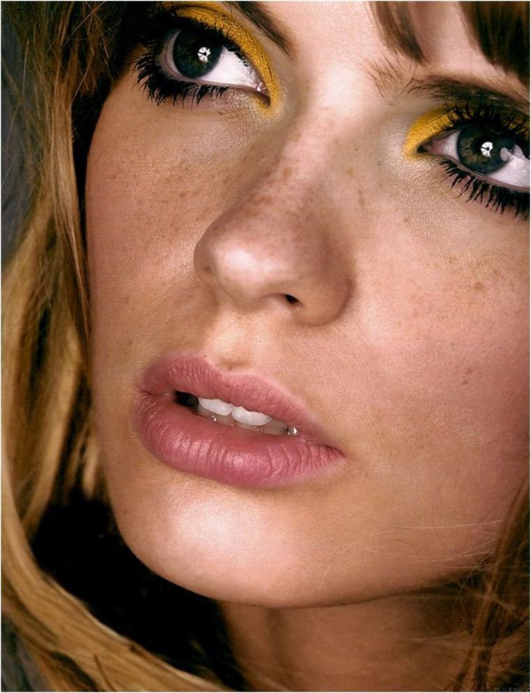 Beautiful People - Julia Stegner