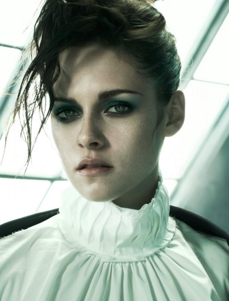 Kristen Stewart  for Vogue Italia ( November 2011 )