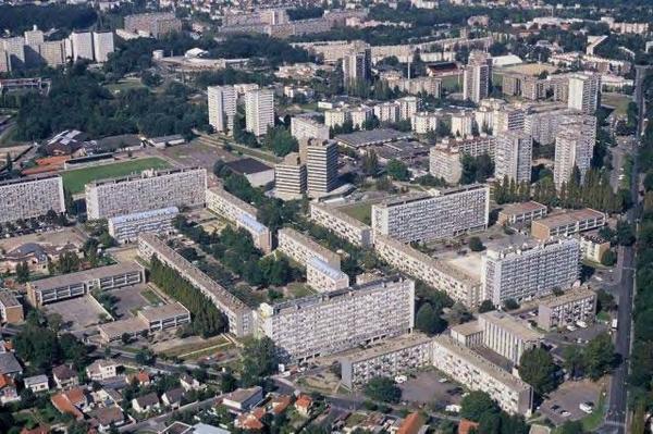 Clichy - sous - Bois / Montfermeil    .  Grand Ensemble * (Haut et Bas) . Seine St Denis (93)
