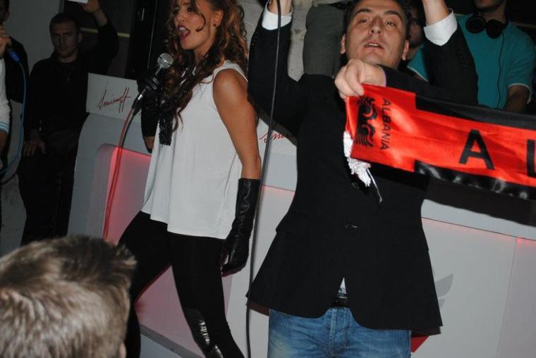 Genta Ismajli - Aleanca KUQ E ZI - Prishtine, 28.11.11