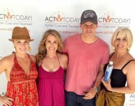 """• •  David et sa femme étaient présent à un évenement de charité """" ACT Today! (Autism Care and Treatment) """" ! C'est une association qui lutte contre l'autisme ! La page facebook de l'assoc ici.  • •"""