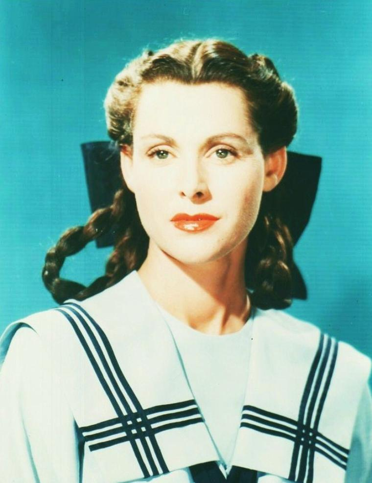 Frances DEE est une actrice am�ricaine, n�e le 26 novembre 1909 � Los Angeles, Californie, et d�c�d�e le 6 mars 2004 � Norwalk, Connecticut.