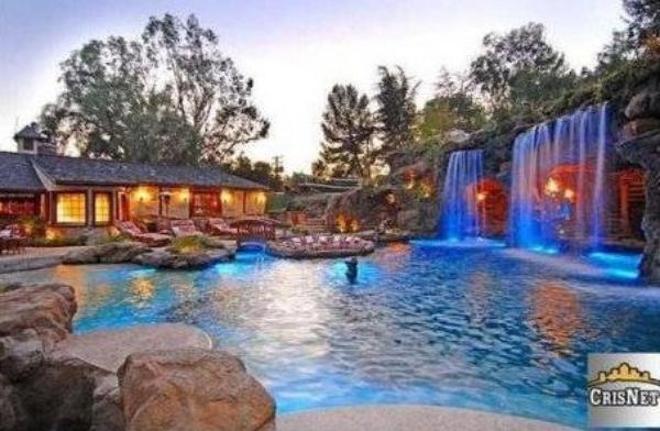 infos sur » maison de reve avec piscine et cascade » vacances