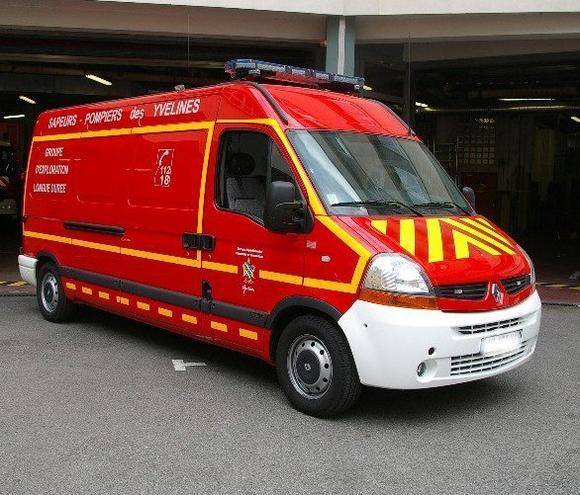 Sdis 78 photographies de v hicules pompiers for Garage renault plaisir 78
