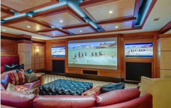 photos johnny depp visitez sa future maison 17 5 millions de dollars tra hy b le blog. Black Bedroom Furniture Sets. Home Design Ideas