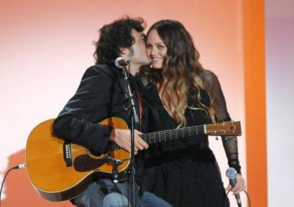 vanessa paradis et matthieu chedid ils remportent la palme du couple adult re le plus chaud de. Black Bedroom Furniture Sets. Home Design Ideas