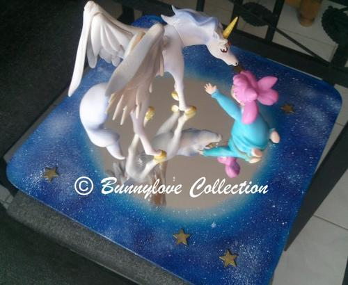 Ma collection Sailor Moon - Page 2 ?c=isi&im=%2F7675%2F46567675%2Fpics%2F3228135943_1_4_PVtTs36b