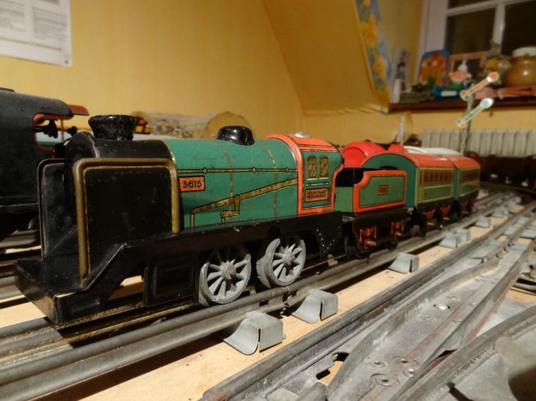 trains jouets en 0 1 locomotives hornby. Black Bedroom Furniture Sets. Home Design Ideas