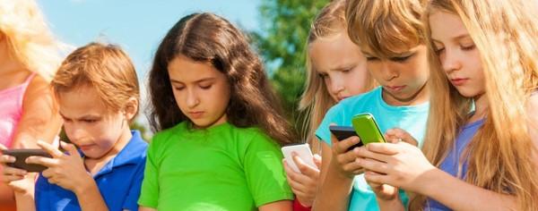 Le cordon ombilical des onze-douze ans? Le smartphone