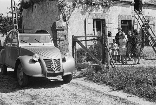 Citroën 2 CV : son histoire en images