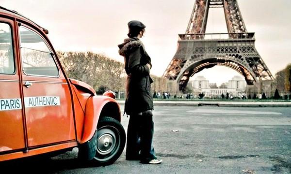 Une balade en 2 CV de 2 h ou 3 h dans les rues de Paris pour 2 personnes dès 89 € avec Paris Authentic